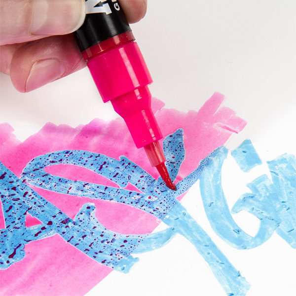 Molotow-Art-Masking-Liquid-Pump-Marker-Close-Up-Sample